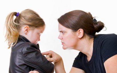 إن رغبنا عدم أذية أولادنا، فكيف لنا أن نؤدبهم بالطريقة السليمة؟
