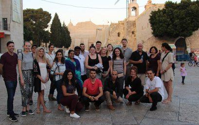 التبادل الثقافي بين كلية بيت لحم للكتاب المقدس ومجموعة من المملكة المتحدة